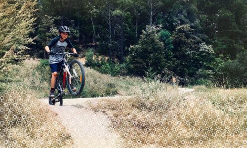 Zomer-jongen-mountainbike